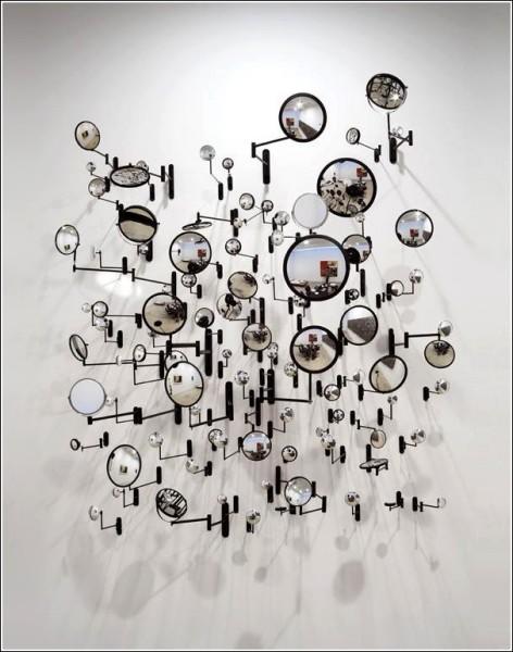 Работы Грэхема Колдуэлла состоят из десятков частей