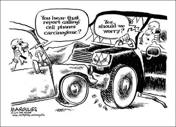 Художники-карикатуристы о вреде мобильных телефонов: автодозвон