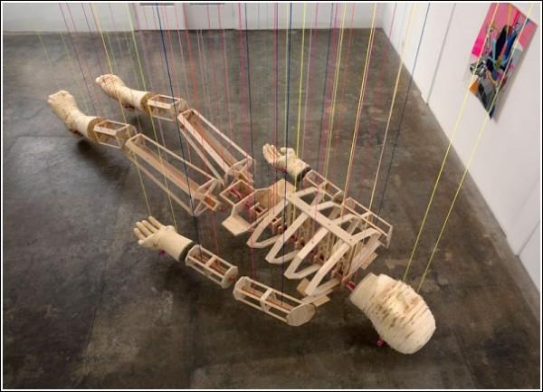 Инсталляция «Мертвец» на арт-выставке Кларка Гулсби