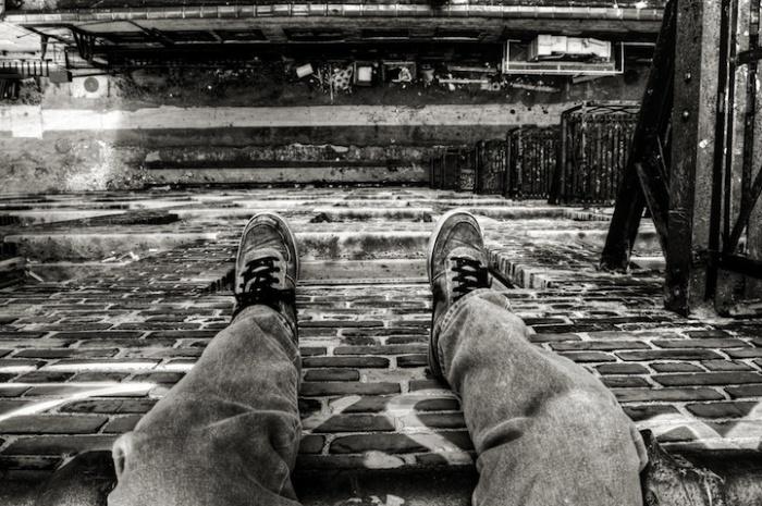 Городские фотографии Денниса Мэйтленда, сделанные сидя на крыше