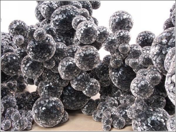 Туча-молекула Тары Донован из майлара