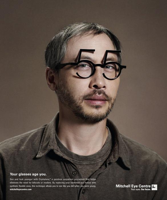 55 лет? Оригинальная реклама контактных линз