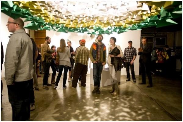 Маунт-худ Марисы Грин и Питера Богарта: она бумажная и светится