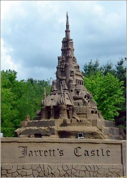 Самый высокий песочный замок в мире: скульптура-рекордсмен Эда Джерретта
