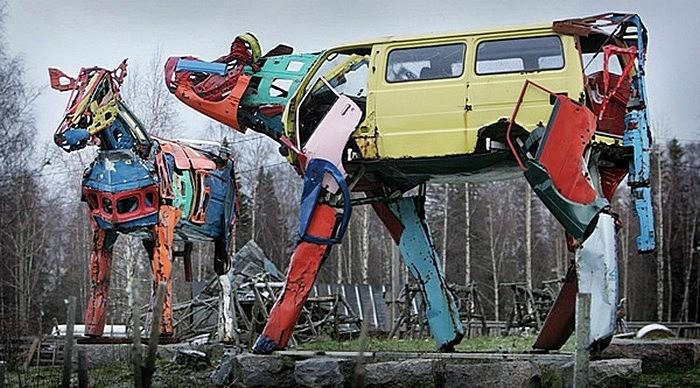 Металлическое стадо коров: скульптуры Мийны Эккиюрккя