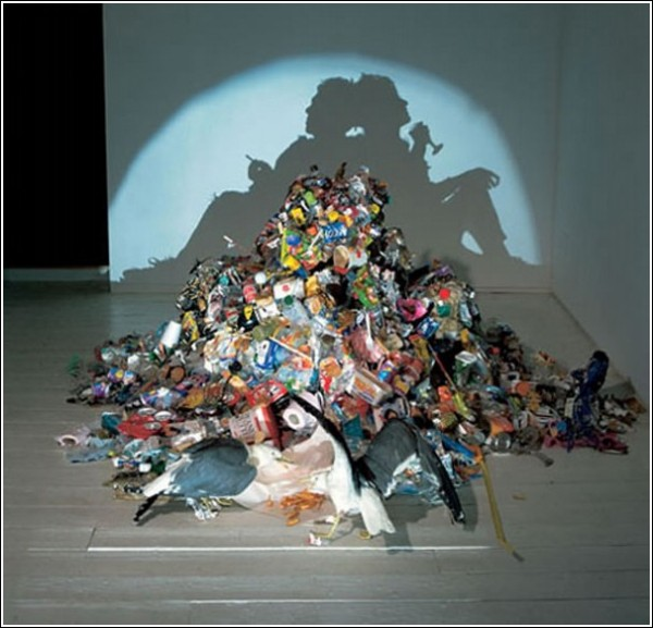 Тени на стене: трэш-арт Тима Нобла и Сью Вебстер