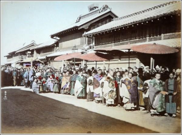 Уличная Япония: фотографии студии Адольфо Фарсари