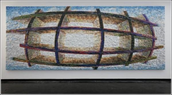 Пустой стеллаж, зависший в воздухе, - отказ от культурного кода