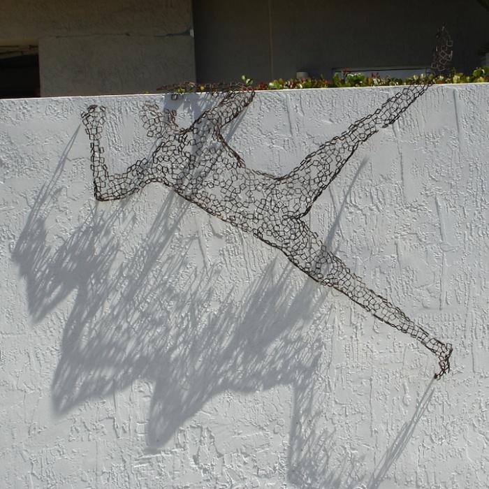 Человек карабкающийся: необычные скульптуры Райнера Лагеманна