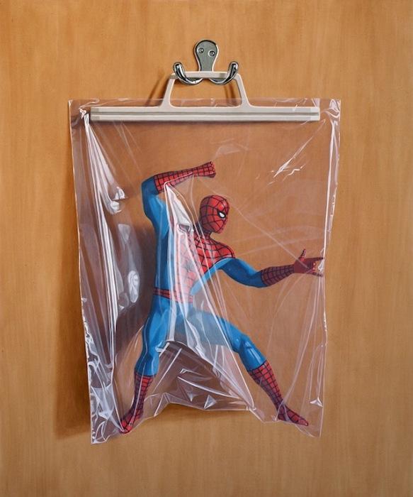 Спайдермен и полиэтилен: фотореалистичная живопись Саймона Монка