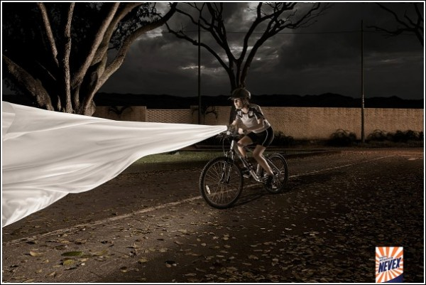 Креативная реклама порошка для стирки: велосипед