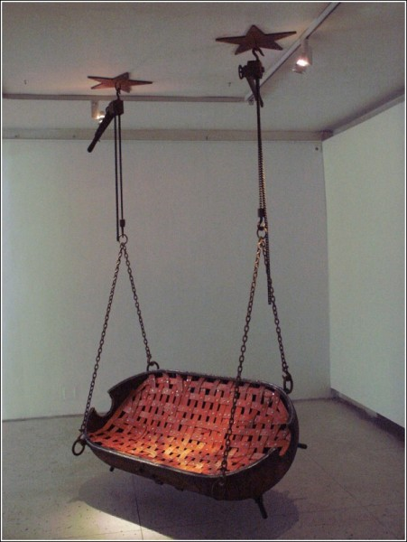 Взрывная коллекция Мати Кармина: качели
