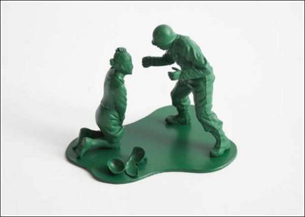 Игрушечные солдатики после настоящей войны: домашние разборки