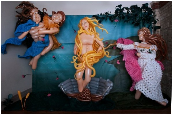 Копии картин из воздушных шариков: *Рождение Венеры* Боттичелли