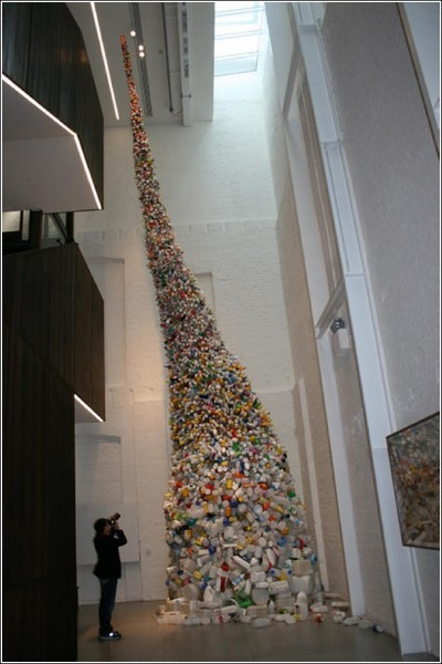 11-метровый нешуточный арт-объект
