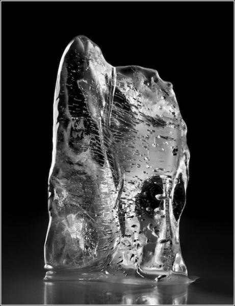 Черно-белые снимки Вильяма Кастелланы: осколок льда