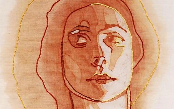 Винное пятно – не повод унывать, а повод вышивать: творчество Амелии Харнас