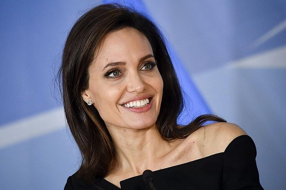 В Великобритании назвали Анджелину Джоли главным активистом года