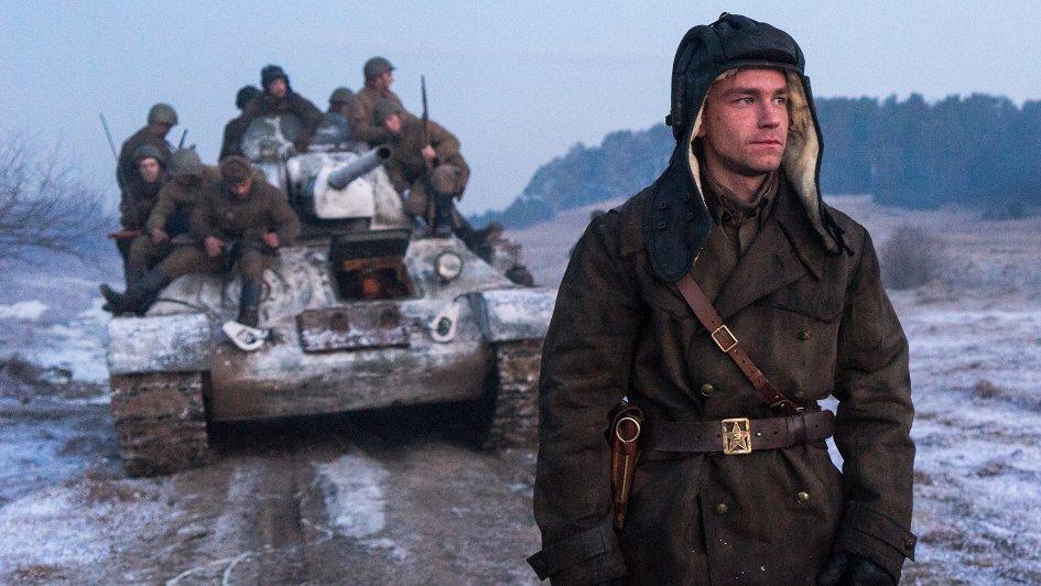 Фильм «Т-34», ради которого сдвигали все мировые премьеры, обогнал Джека Воробья и стал вторым по кассовости в РФ