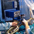 Испанский музыкант сыграл на саксофоне во время операции на мозге