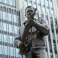 Автор памятника Калашникову отказался исправлять монумент