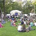 В московском саду Эрмитаж проходит первый круглосуточный театральный марафон