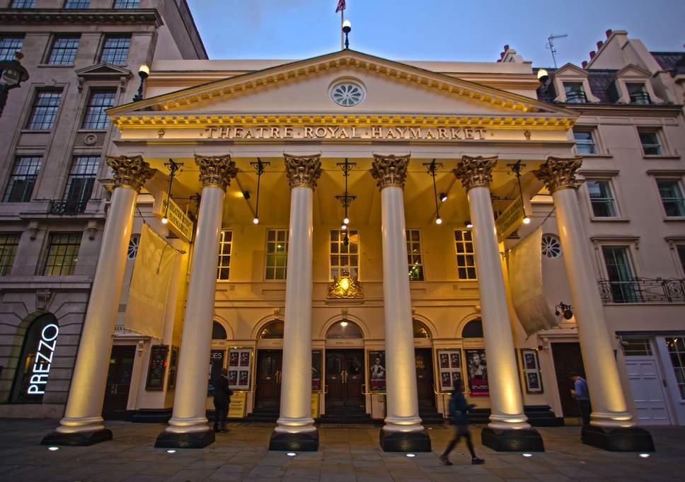 Один изстарейших театров Лондона Royal Haymarket стал «русским»