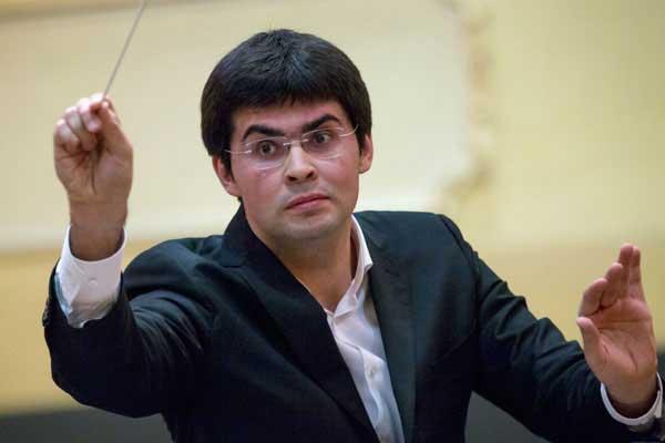 Лауреат премии президента РФ дирижер Урюпин потратит ее часть на инструменты для оркестра