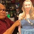 73-летний Денни ДеВито «зеркально» ответил нашутку школьницы