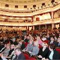 Даже в самые популярные театры москвичи ходят всего раз в год