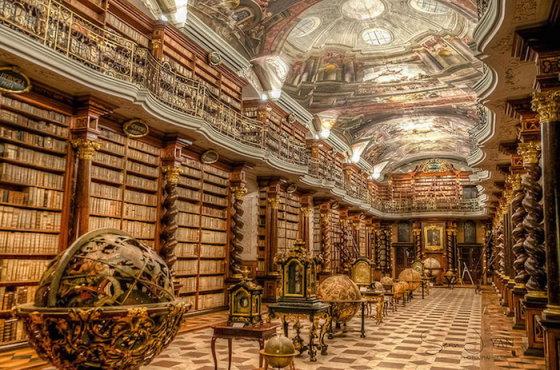 Царство книг и храм знаний: Клементинум - красивейшая библиотека Европы