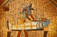 Почему египтяне изображали всех людей плоскими и только в профиль