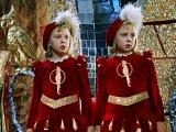 Жизнь в королевстве кривых зеркал: несказочные судьбы близняшек Оли и Яло
