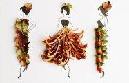 20 великолепных  платьев из цветочных лепестков