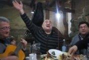 «Чунга-Чанга»: песенку из советского мультфильма исполнили на грузинском застолье
