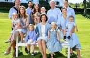 Летние поздравления: королевская семья Швеции опубликовала очаровательную фотосессию