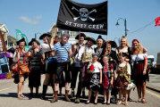 Губит людей не пиво: Что помешало 14 тысячам пиратов из Англии установить рекорд Гиннесса