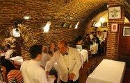 Собрино де Ботин: Самый старый ресторан в мире, который любил Хемингуэй, и где в молодости подрабатывал Гойя