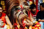Реог понорого - «рычащий» ритуальный танец в маске, которая весит 60 кг